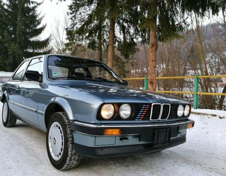 BMW E30 Coupe, typ 320i(2.0i 95kW), 6/1987 CHROMAK